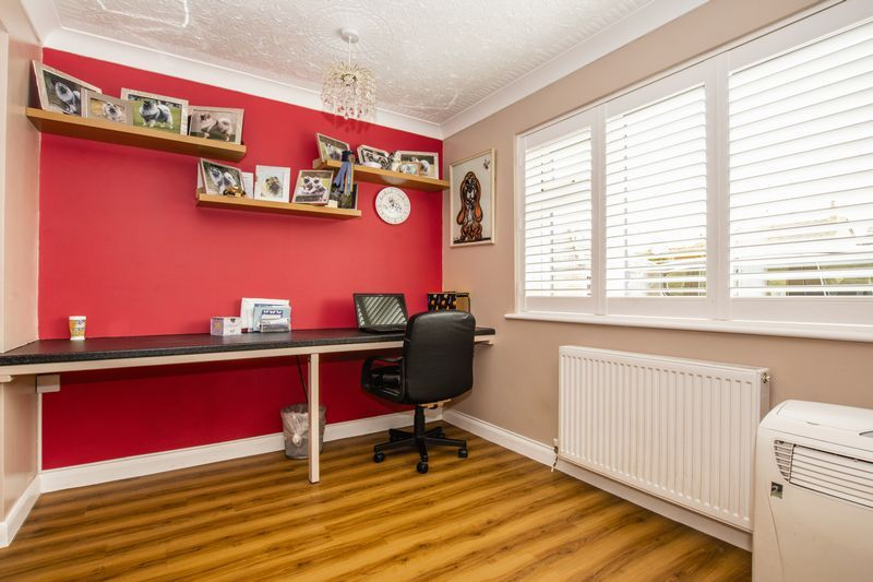 4 bed house for sale in Beauvoir Place  - Property Image 8