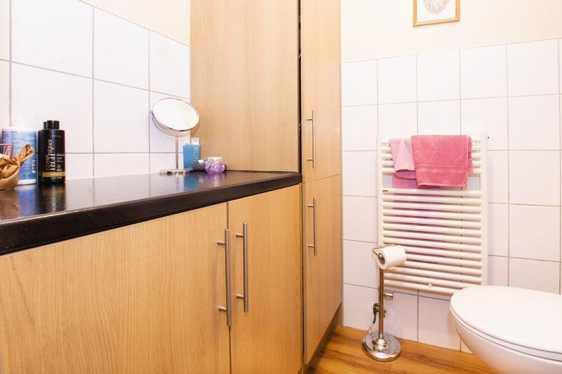 4 bed house for sale in Beauvoir Place 9