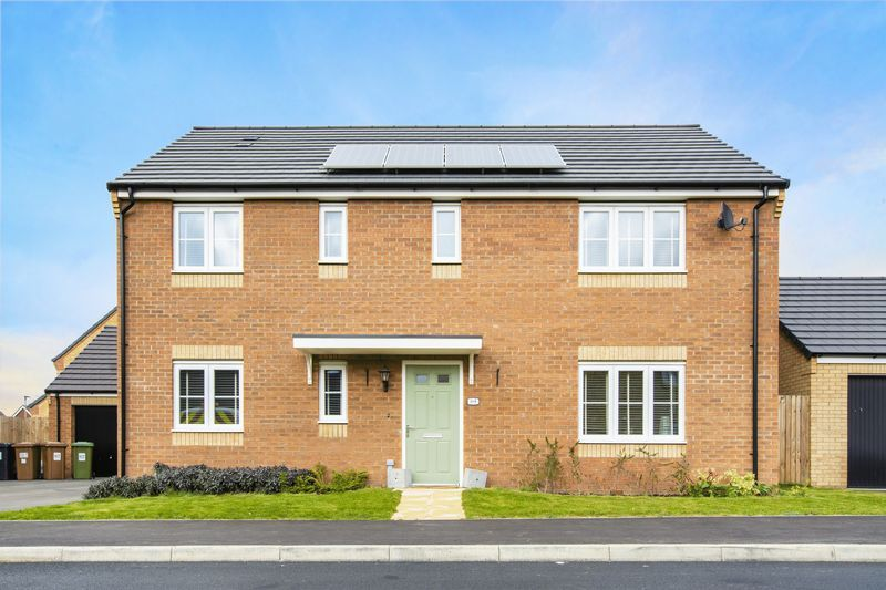 5 bed house for sale in Woburn Drive 2