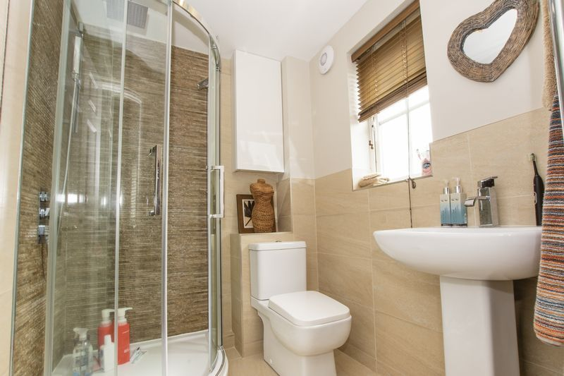 6 bed house for sale in Ferndale  - Property Image 11