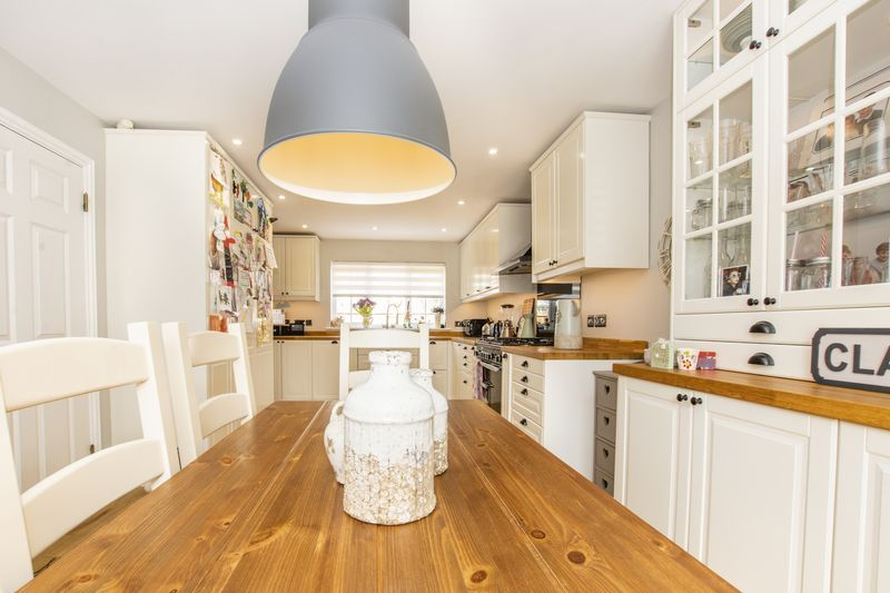 6 bed house for sale in Ferndale  - Property Image 3
