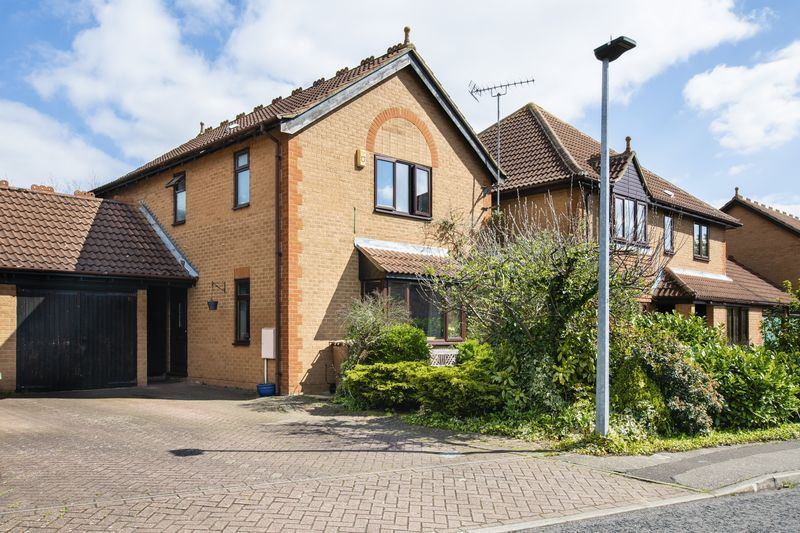 3 bed house for sale in Rothwell Way 4