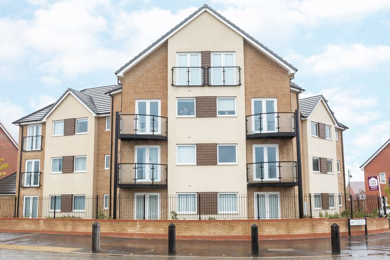 2 bed flat to rent in Eagle Way - Property Image 1