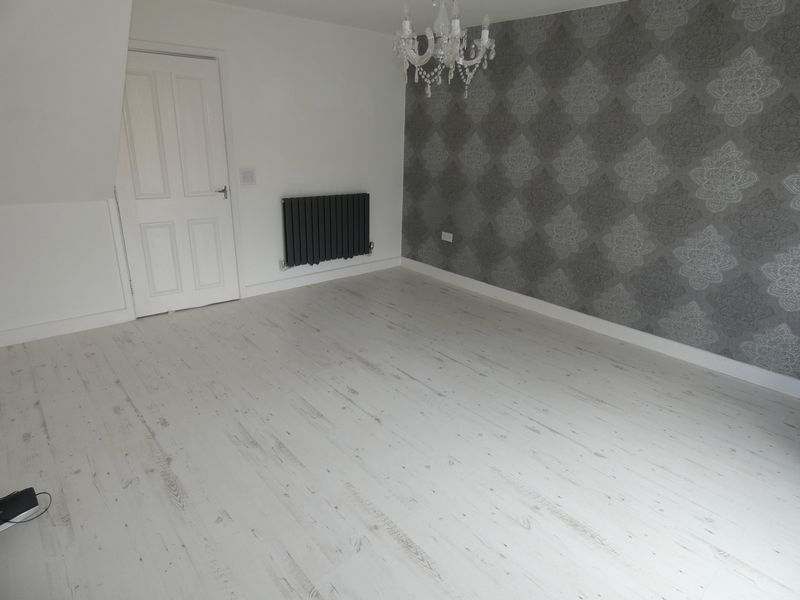 3 bed house to rent in Redshank Way 6