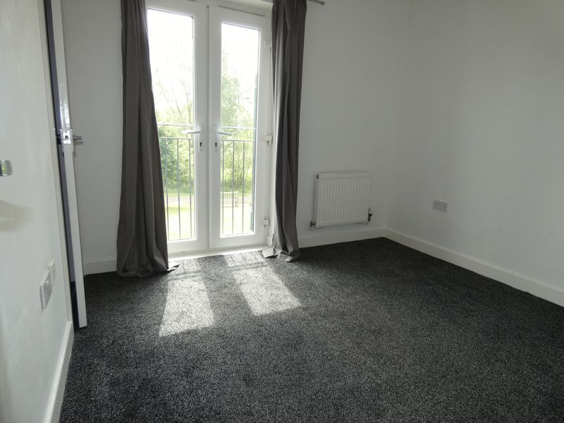 3 bed house to rent in Redshank Way 9
