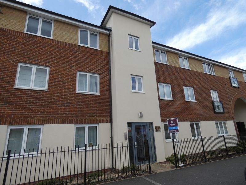 2 bed flat to rent in Osier Avenue - Property Image 1