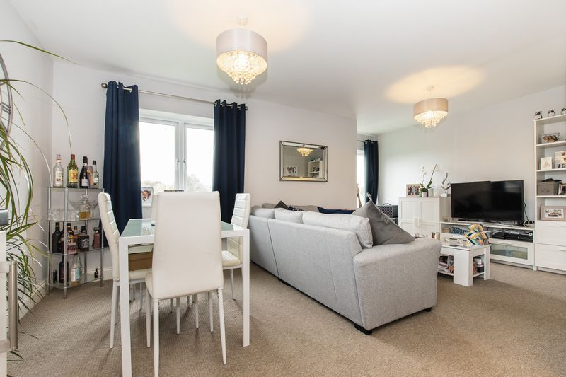 2 bed flat for sale in Eye Road - Property Image 1