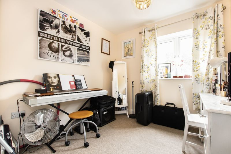 2 bed flat for sale in Eye Road  - Property Image 11