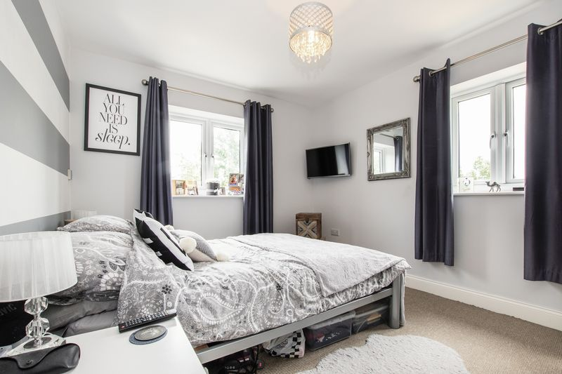 2 bed flat for sale in Eye Road  - Property Image 8