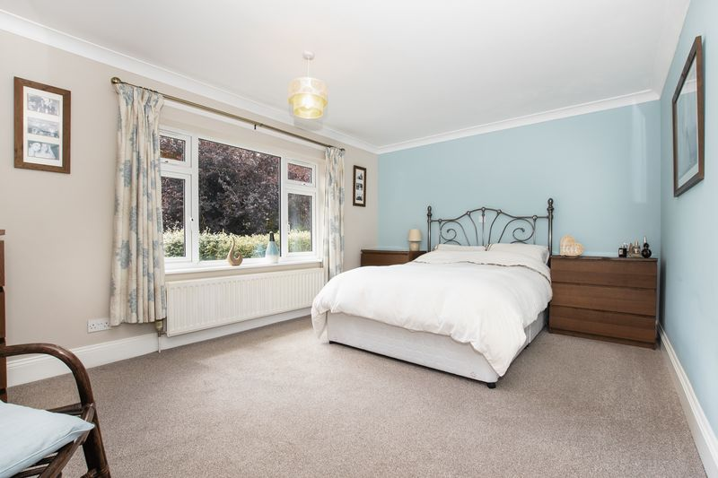 4 bed bungalow for sale in New Meadow Drove  - Property Image 9