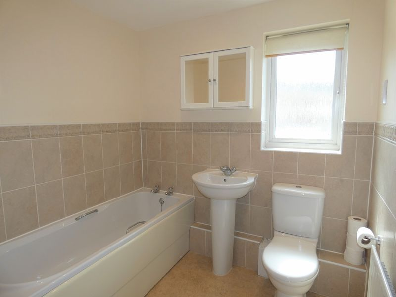 2 bed flat to rent in Osier Avenue  - Property Image 7