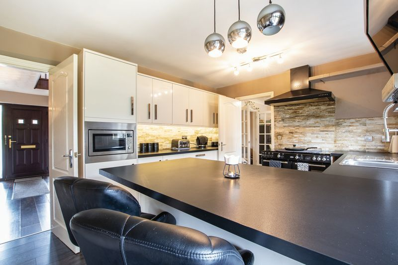 5 bed house for sale in Barkston Drive 1