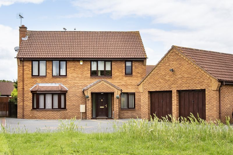 5 bed house for sale in Barkston Drive 2