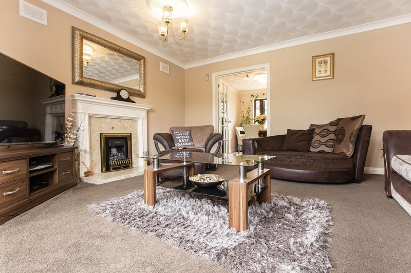 5 bed house for sale in Barkston Drive  - Property Image 4