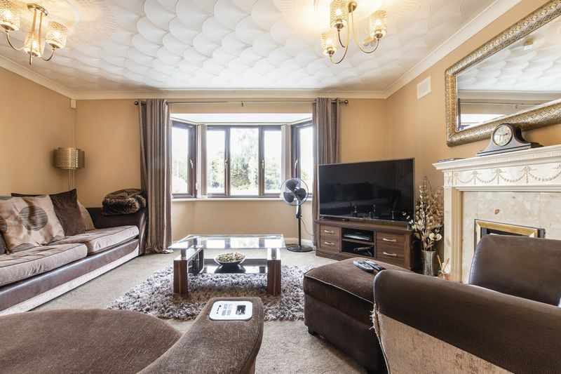 5 bed house for sale in Barkston Drive 5