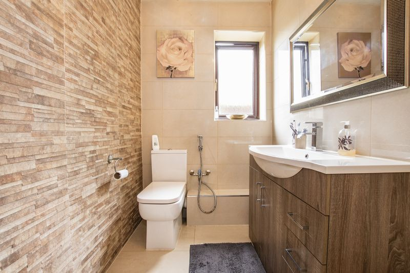 5 bed house for sale in Barkston Drive  - Property Image 8