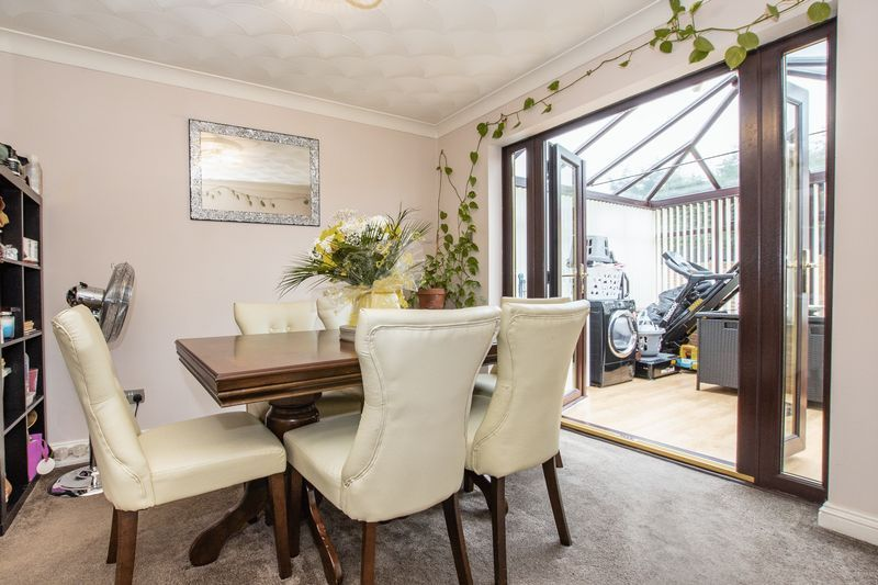 5 bed house for sale in Barkston Drive 9
