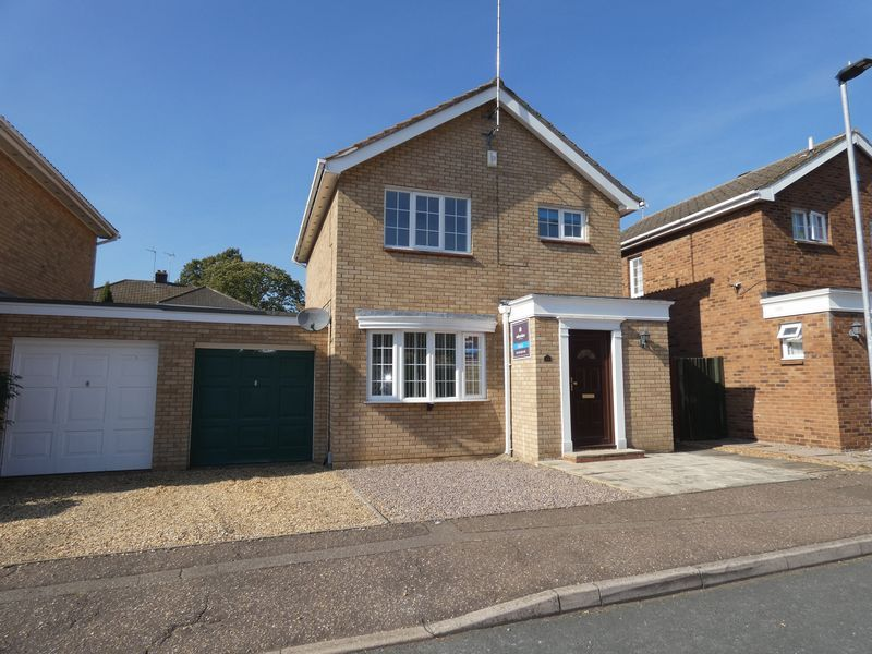 3 bed house to rent in Langford Road - Property Image 1