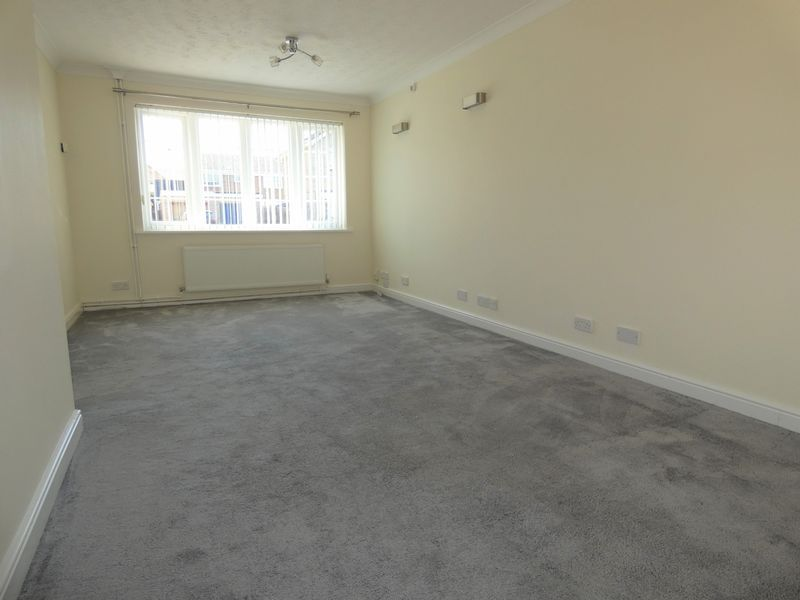 3 bed house to rent in Langford Road  - Property Image 4
