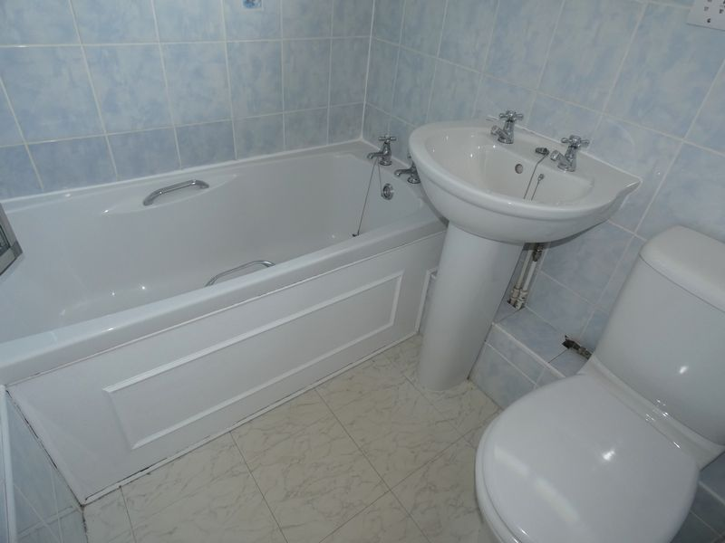 3 bed house to rent in Langford Road  - Property Image 10