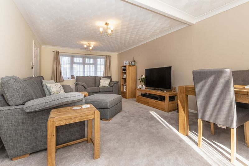 4 bed house for sale in Dunsberry  - Property Image 2