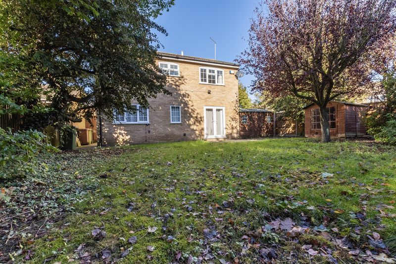 4 bed house for sale in Dunsberry 16