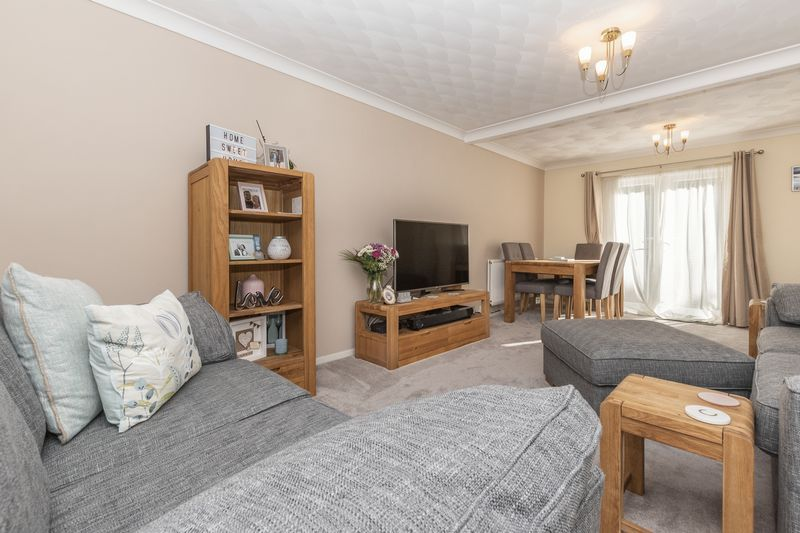 4 bed house for sale in Dunsberry  - Property Image 3