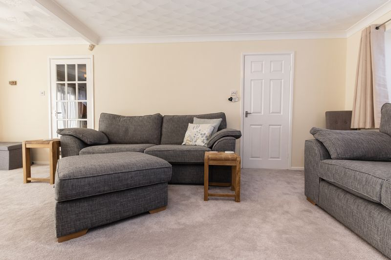 4 bed house for sale in Dunsberry  - Property Image 4