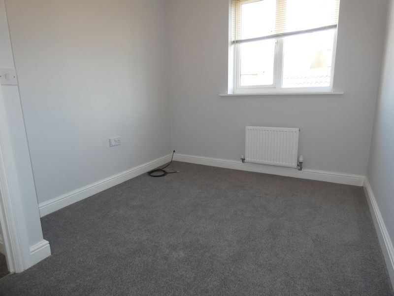 5 bed house to rent in Evergreen Drive  - Property Image 9