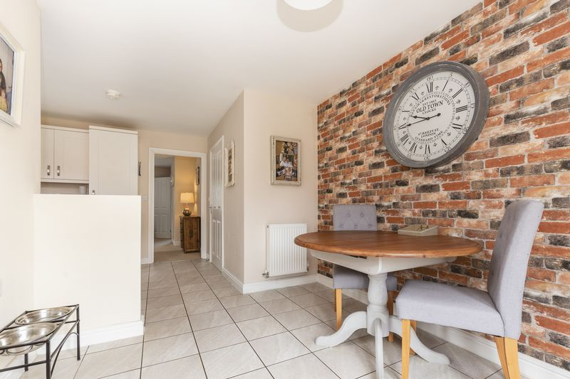 3 bed house for sale in Sandleford Drive 3