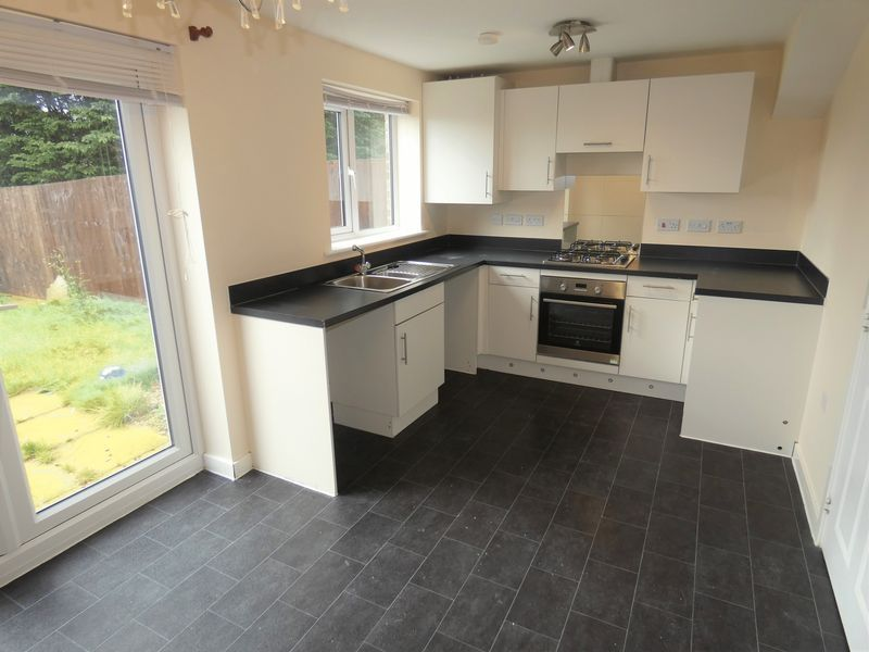 3 bed house to rent in Saxonbury Way  - Property Image 2