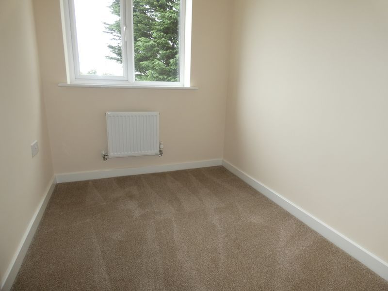 3 bed house to rent in Saxonbury Way 11