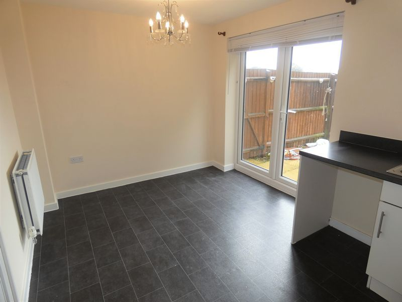 3 bed house to rent in Saxonbury Way 4