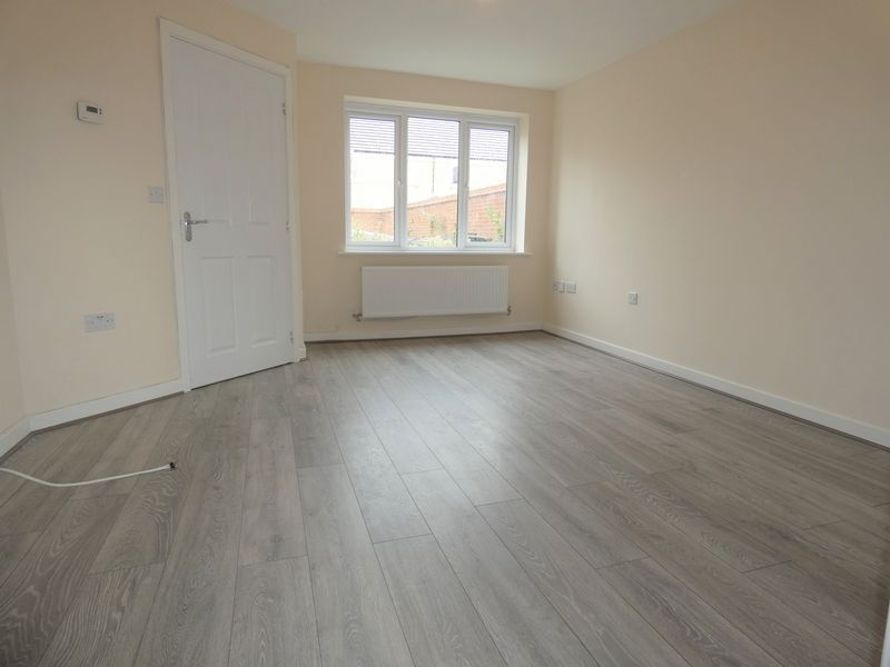 3 bed house to rent in Saxonbury Way 5