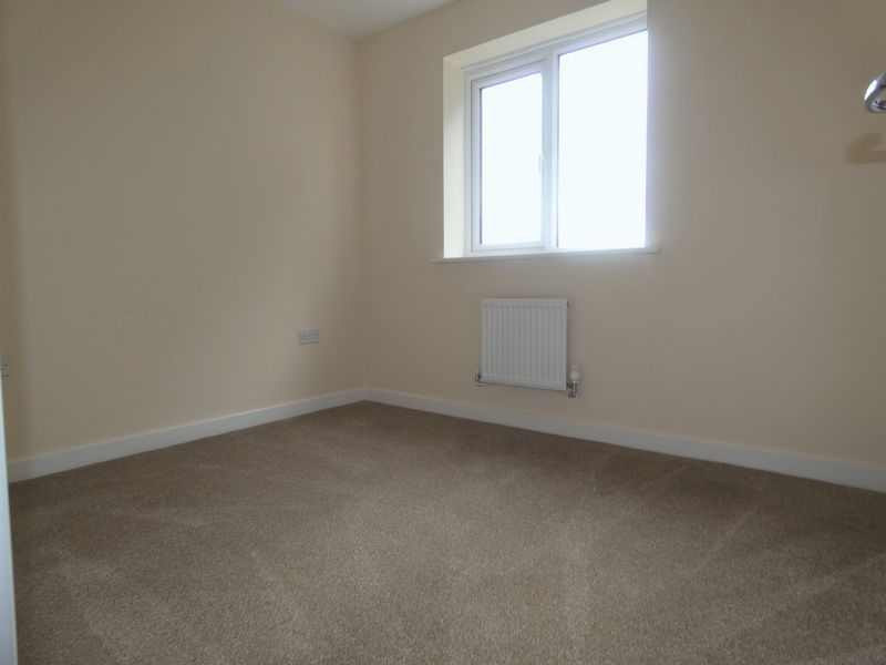 3 bed house to rent in Saxonbury Way  - Property Image 10