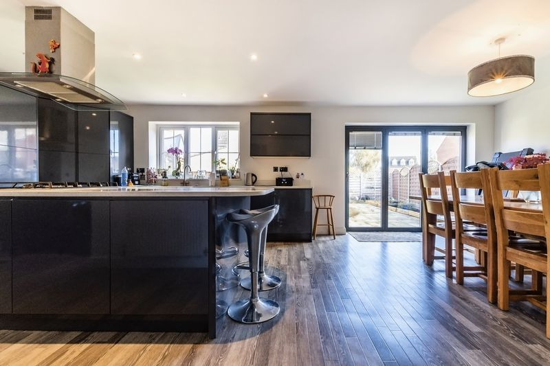 5 bed house for sale in Vokes Street  - Property Image 1