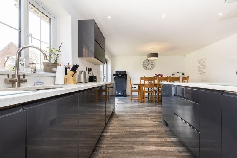 5 bed house for sale in Vokes Street  - Property Image 6
