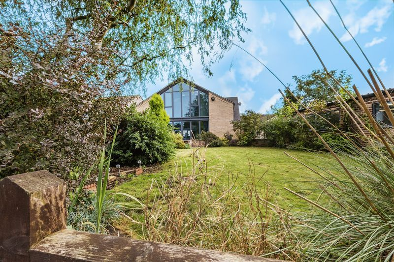 5 bed house for sale in Mount Pleasant  - Property Image 11