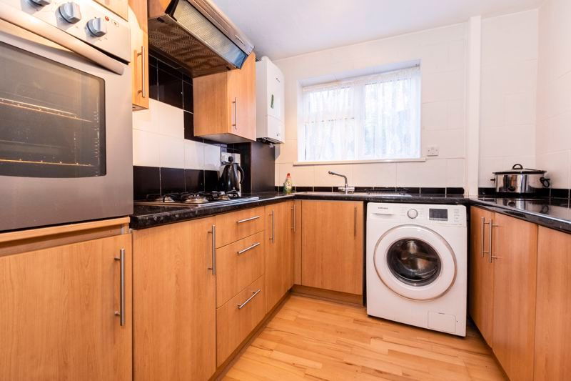 2 bed flat for sale in Bluebell Avenue 4