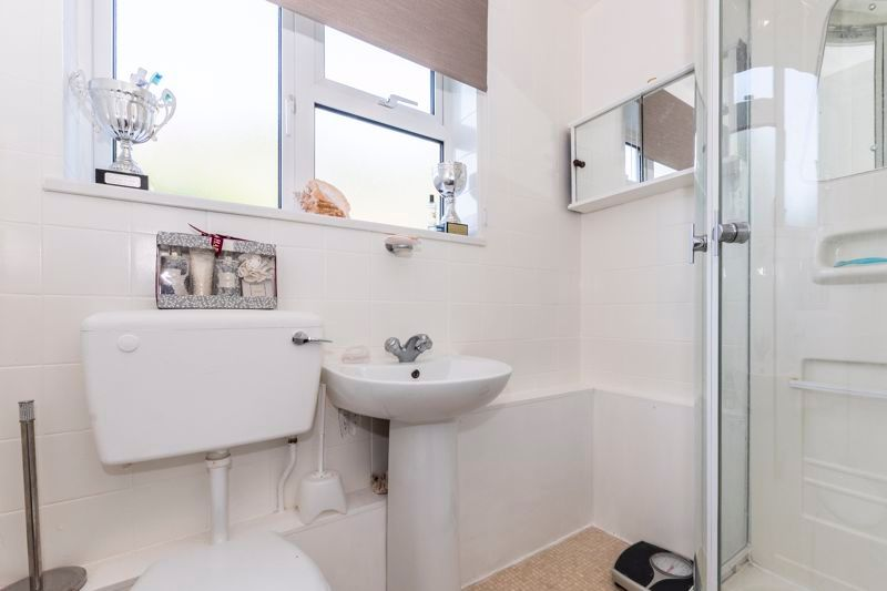 2 bed flat for sale in Bluebell Avenue  - Property Image 7