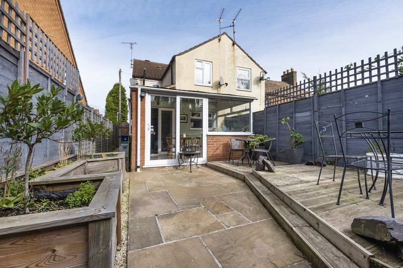 2 bed house for sale in Stonald Road 15