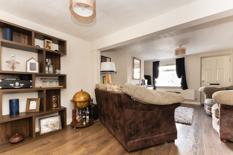 2 bed house for sale in Stonald Road 5