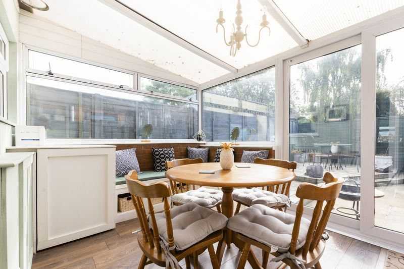 2 bed house for sale in Stonald Road 8
