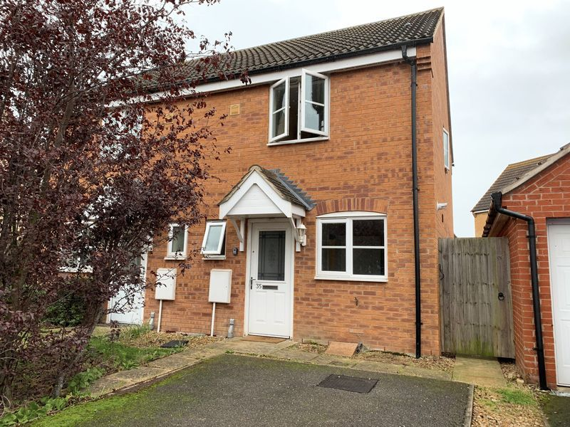 2 bed house to rent in Salix Road 1