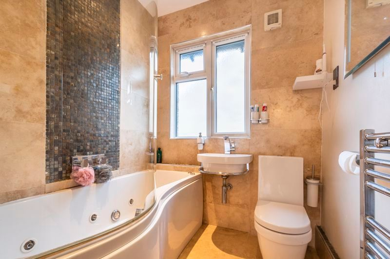 3 bed house for sale in Gordon Avenue  - Property Image 13