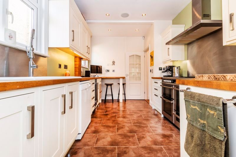 3 bed house for sale in Gordon Avenue 6