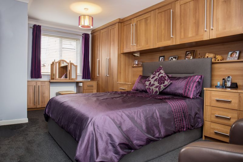 4 bed house for sale in Turnpike Road  - Property Image 10